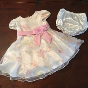 Lovely Bonnie Baby 18 months Dress & Diaper Cover